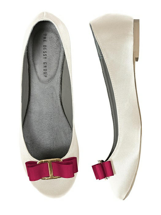 Modern Grosgrain Shoe Clip On Sale